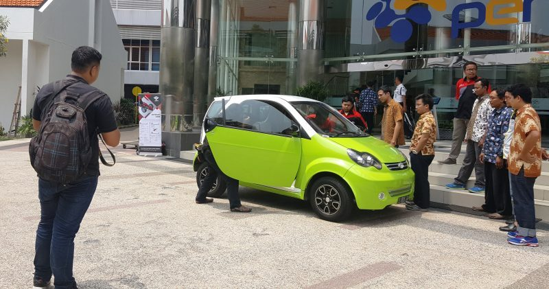 "Small City Car ""Smart Vi"""